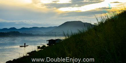 DE013 : ทัวร์เชียงคาน ภูเรือ สวนหินผางาม จ.เลย 3 วัน 1 คืน (Van)