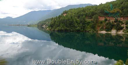 DE341 : ทัวร์ลี่เจียง ทะเลสาบหลูกู ภูเขาหิมะมังกรหยก 5 วัน 4 คืน (MU)