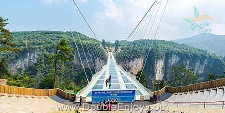 DE836 : โปรแกรมทัวร์จีน จางเจียเจี้ย ภูเขาเทียนเหมินซาน 5 วัน 3 คืน (FD)